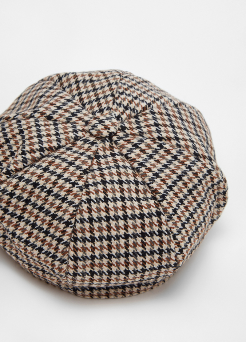 Beret with hounds' tooth pattern image number null