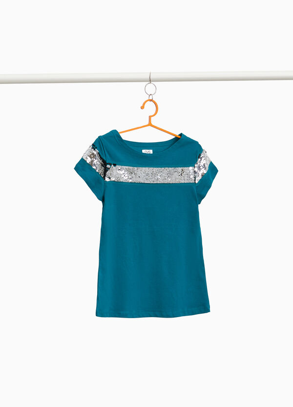 T-shirt with sequinned band