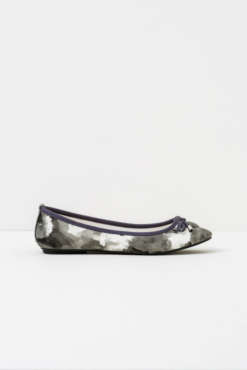 Ballerina flats with bow and pattern image number null