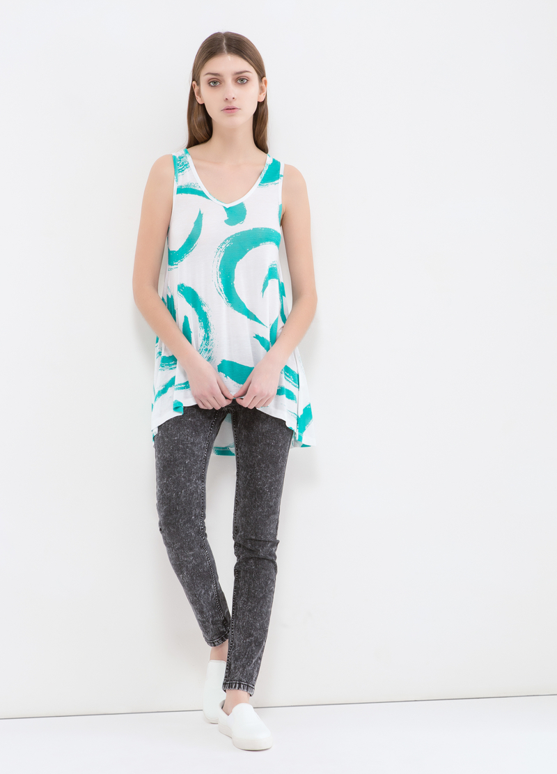 Patterned top in 100% viscose image number null
