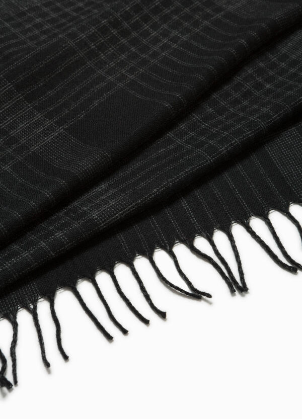 Checked scarf with fringe