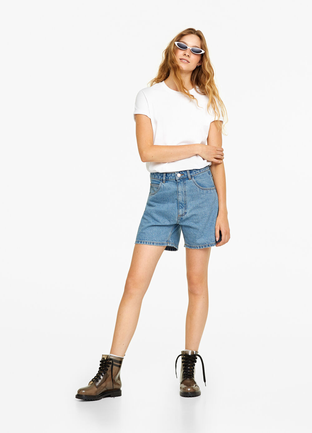Solid colour mum-fit denim shorts