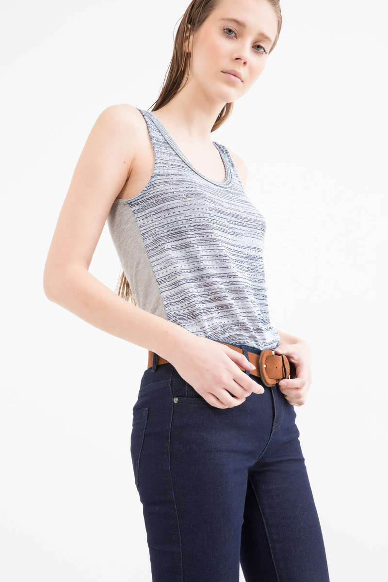 Two-tone top with round neck image number null