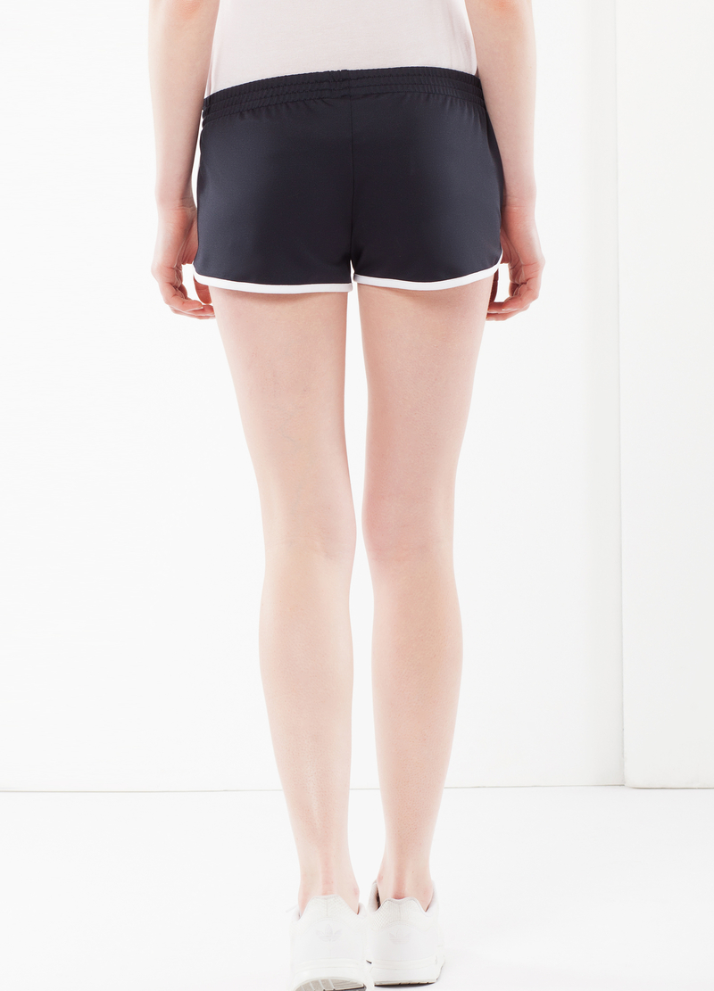 Shorts sportivi image number null