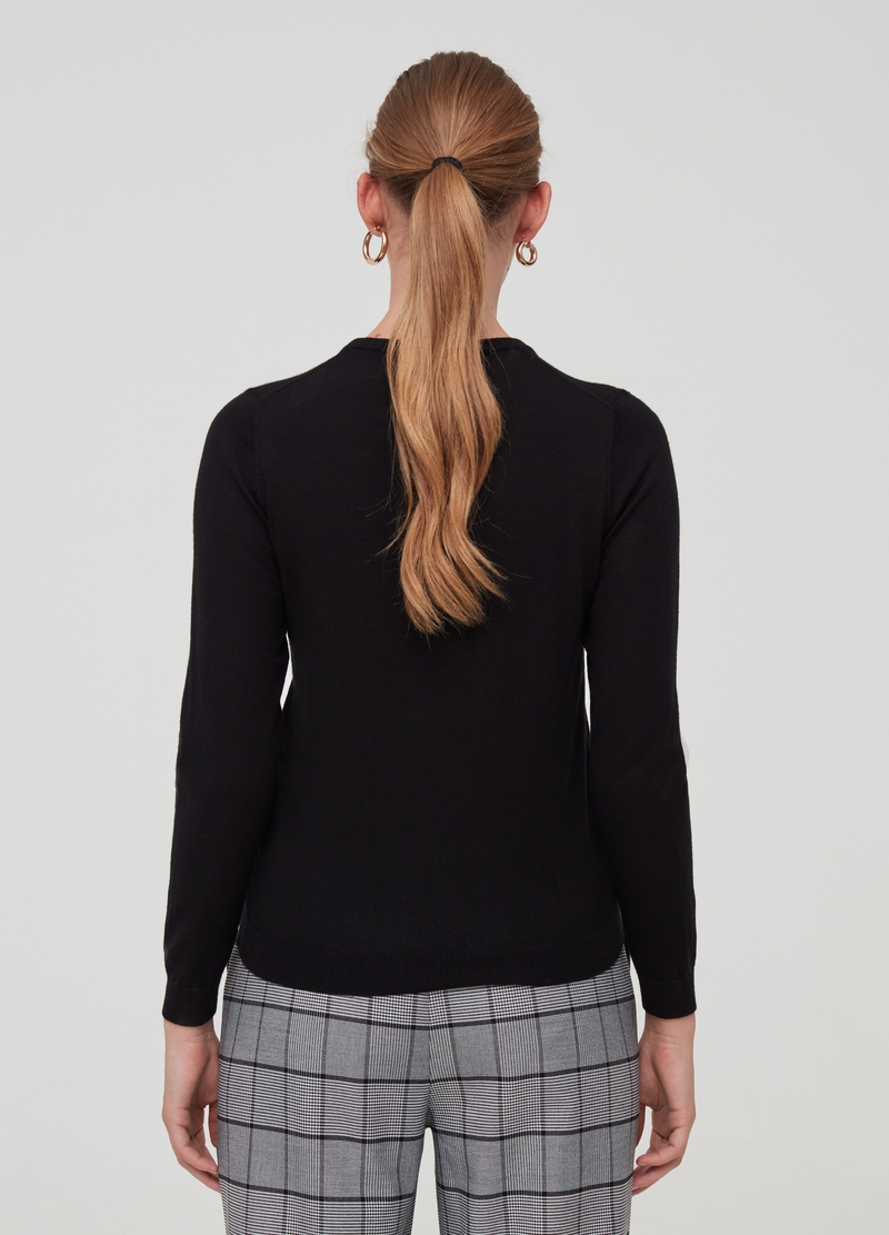 Pullover in 100% merino wool with round neck image number null