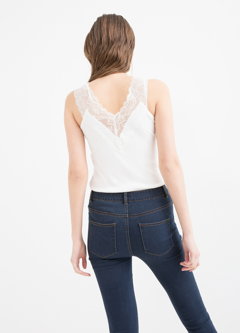 Top puro cotone con pizzo image number null