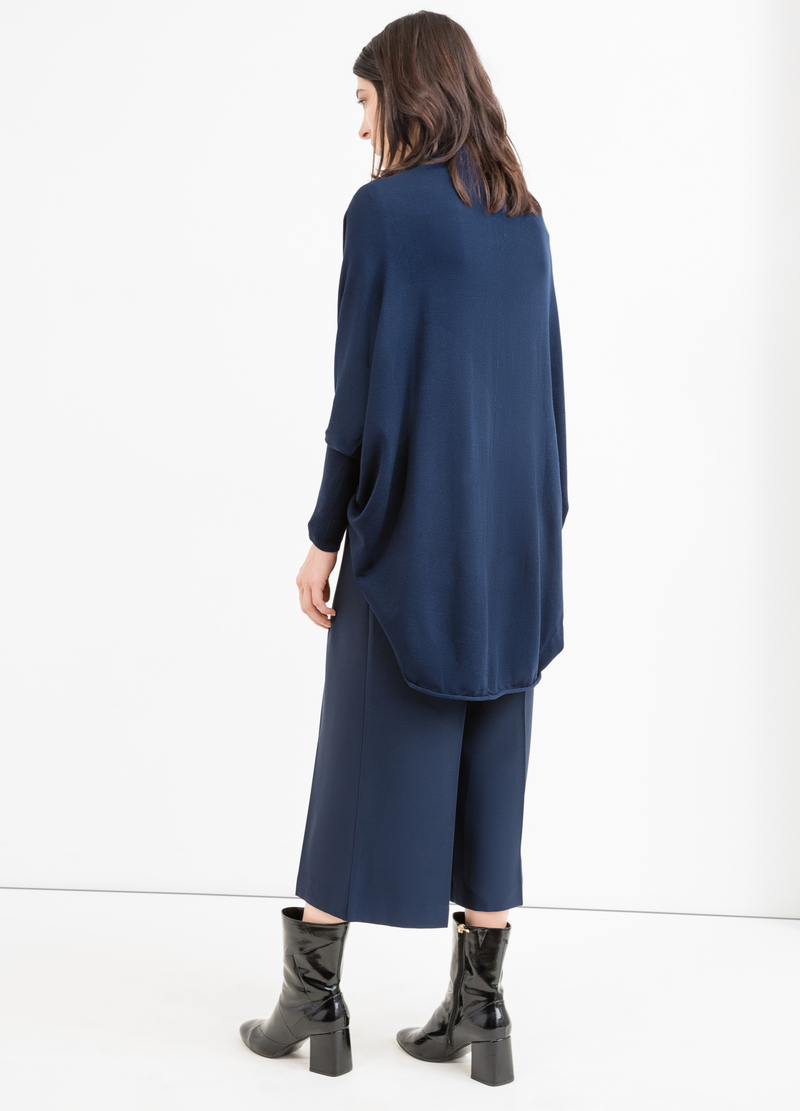 Viscose cardigan with batwing sleeves. image number null