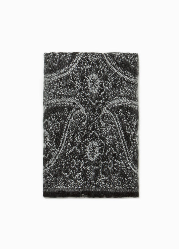 Jacquard scarf with paisley pattern