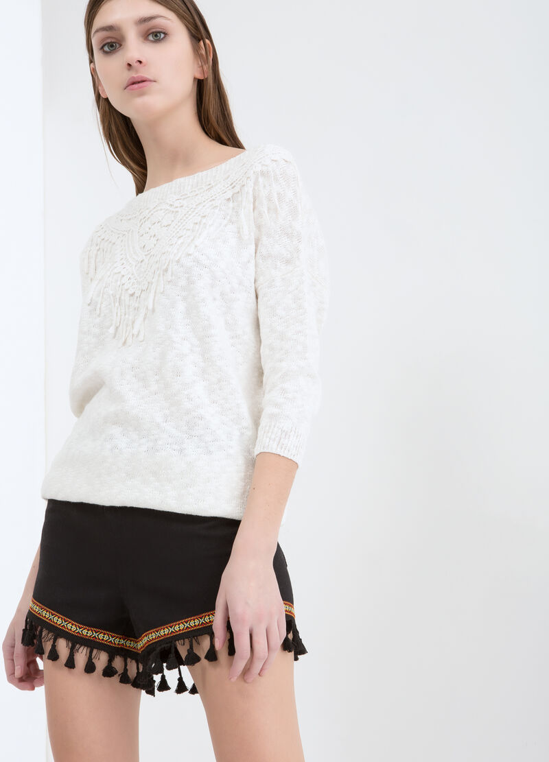 Stretch shorts with tassels