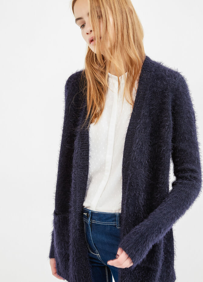 Cardigan with buttonless opening