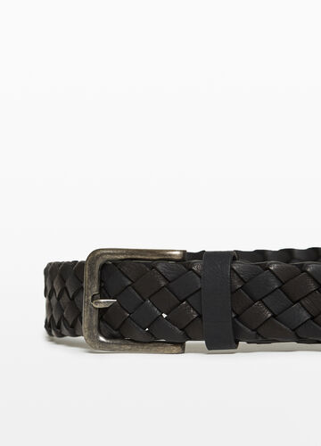 Textured-effect braided belt