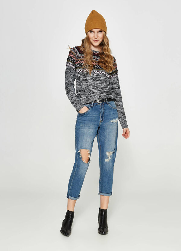 Knitted pullover with geometric print