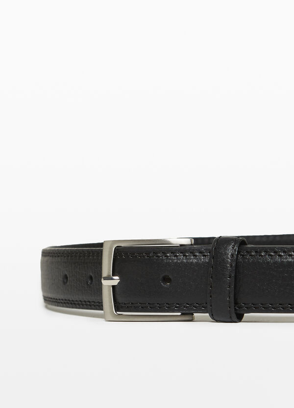 Textured belt with quilting