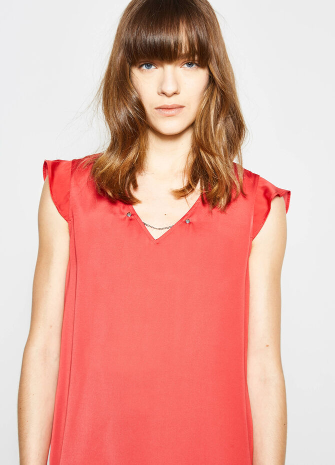 Blouse with V neck and chain