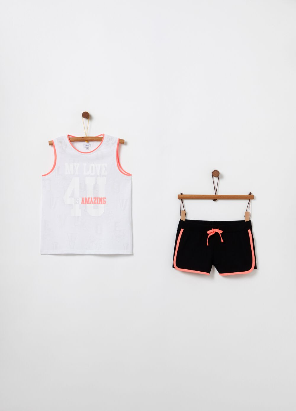 Jogging set with contrasting edging