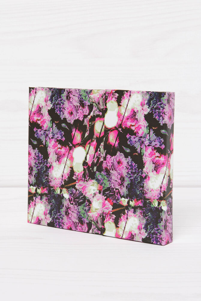 Weekly organiser with floral pattern
