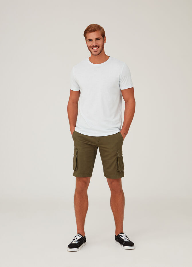 Shorts modello cargo regular fit tinta unita