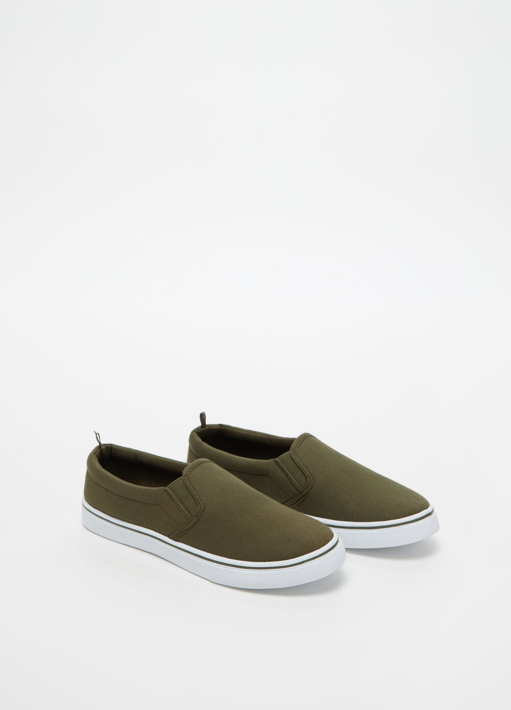 Solid colour slip-ons with low sole