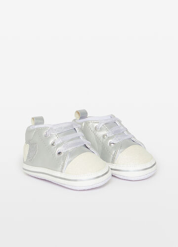 Sneakers with glitter heart patches