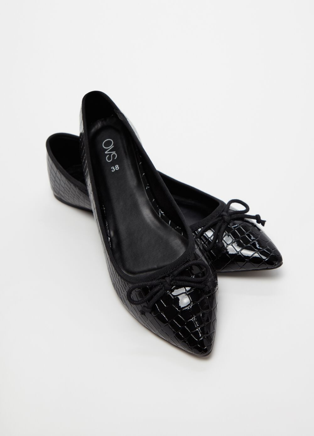 Crocodile-effect pointed ballerina flats