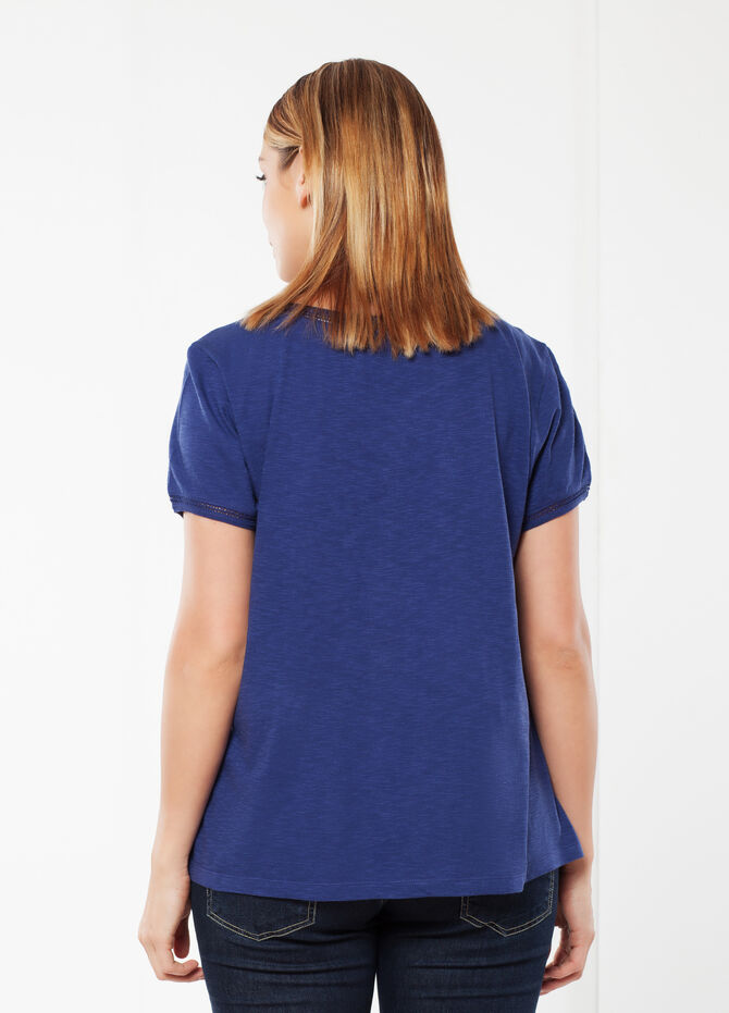 Embroidered Curvy T-shirt