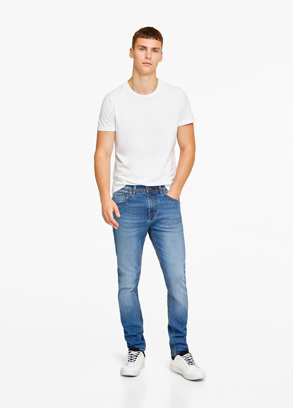 Loose-fit stretch tapered jeans