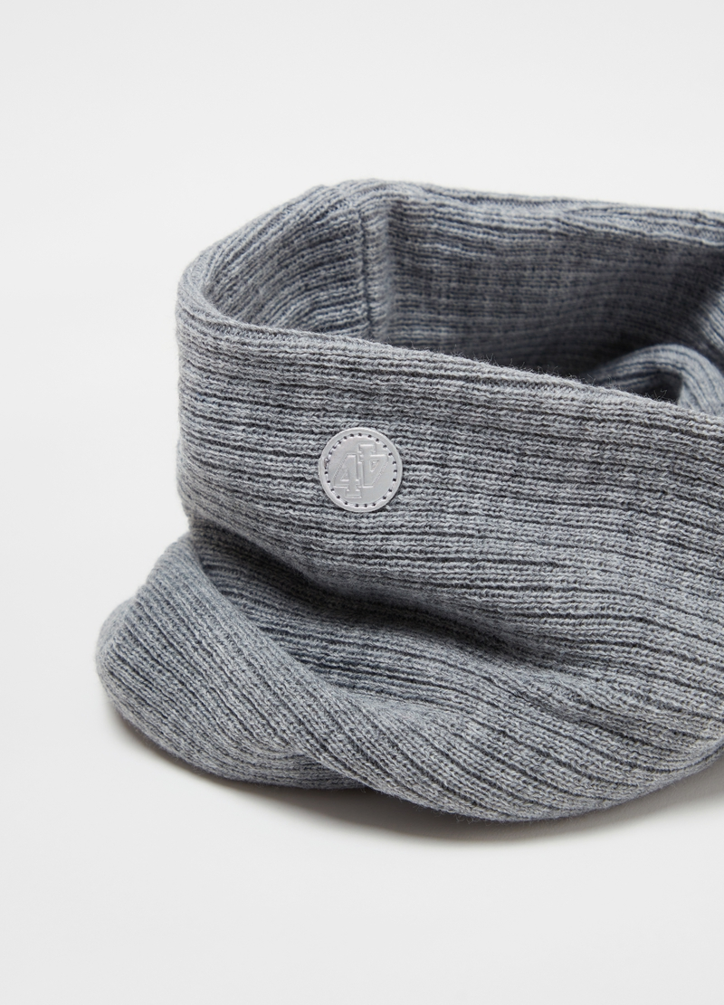 Ribbed neck warmer with knot image number null