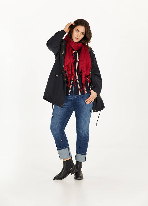 Curvy parka with hood and drawstring