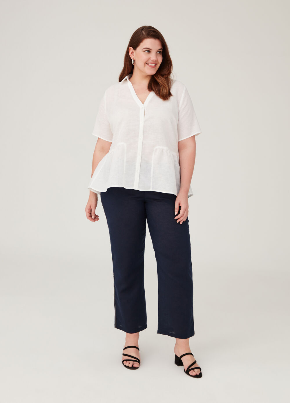 Curvy short-sleeved shirt