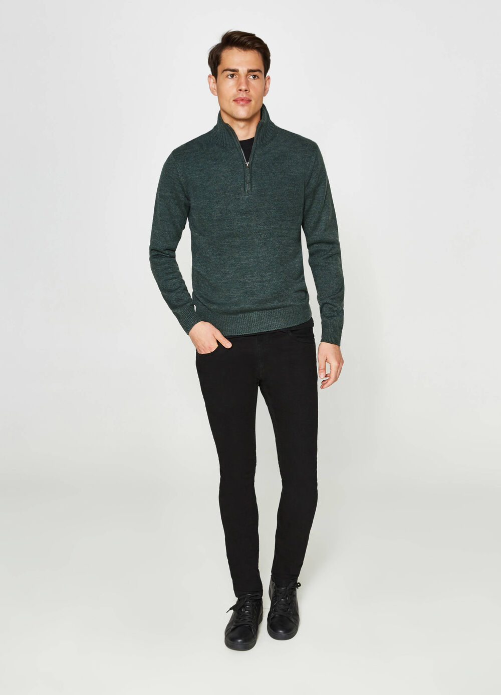 Pullover with high neck and zip