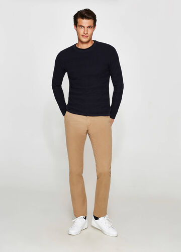 Pantaloni chino regular fit in cotone