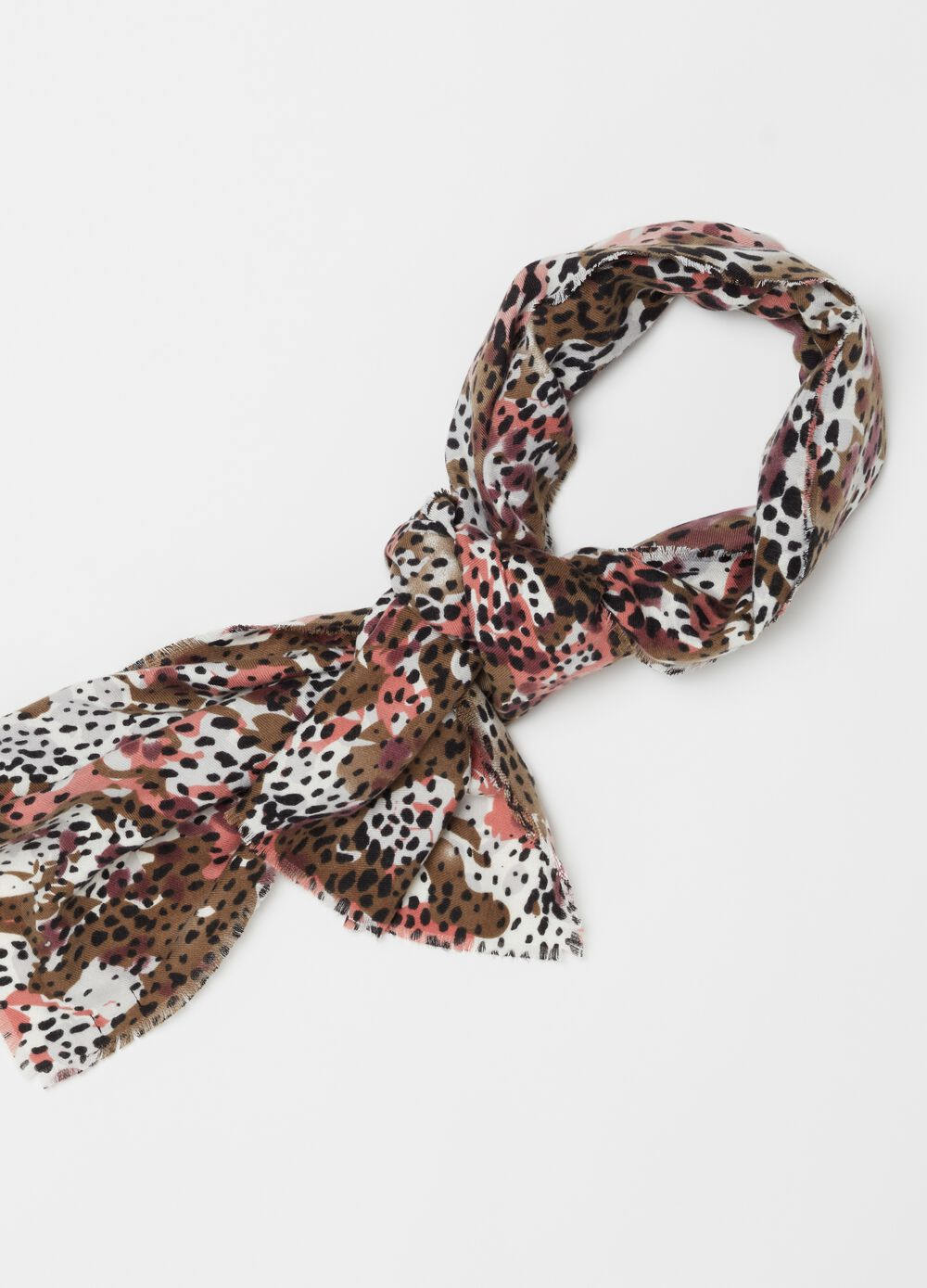 Lightweight pashmina with camouflage pattern