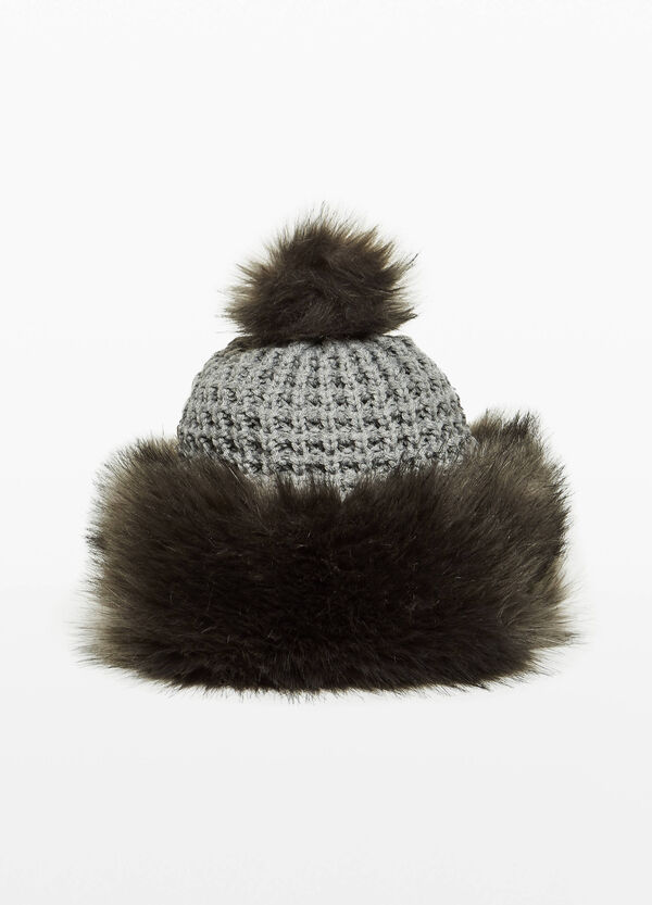 Beanie cap with fur