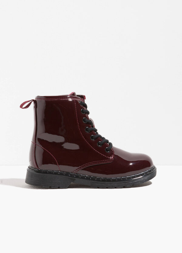 Polished ankle boots with thick tread sole | OVS