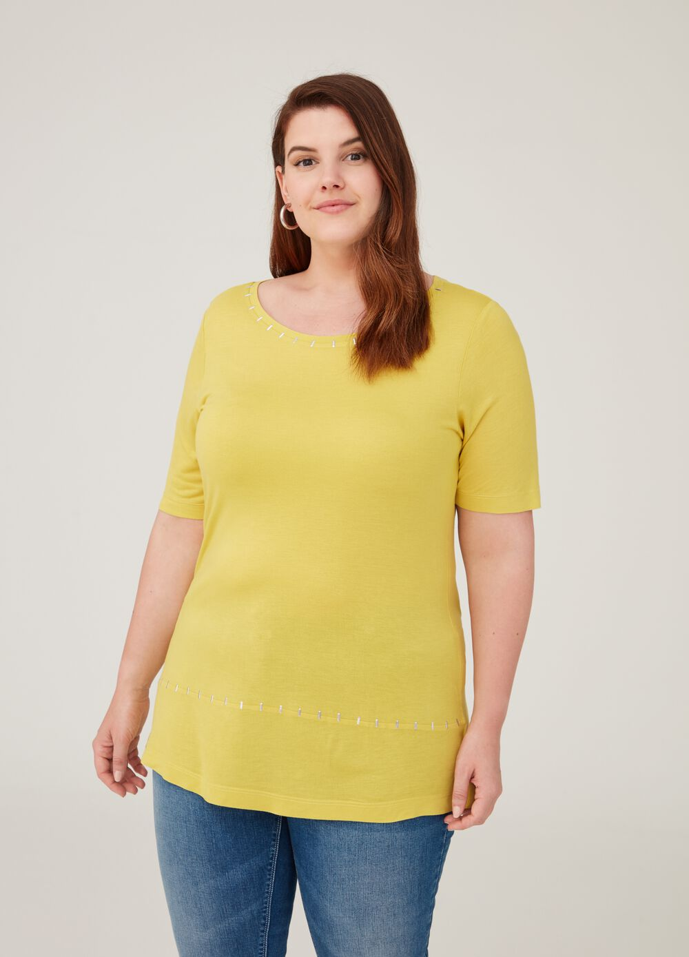 Curvy solid colour 100% viscose T-shirt