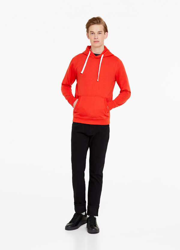 Solid colour sweatshirt with pocket and hood