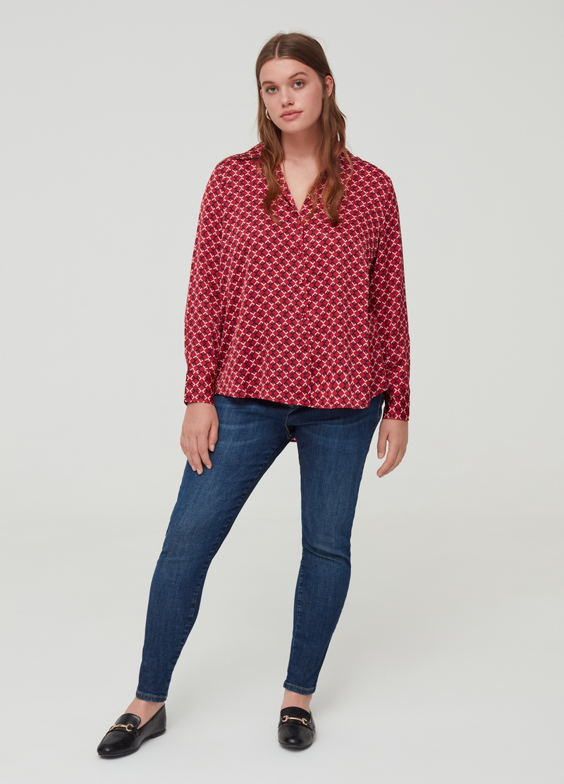 Curvy long-sleeved geometric blouse. image number null