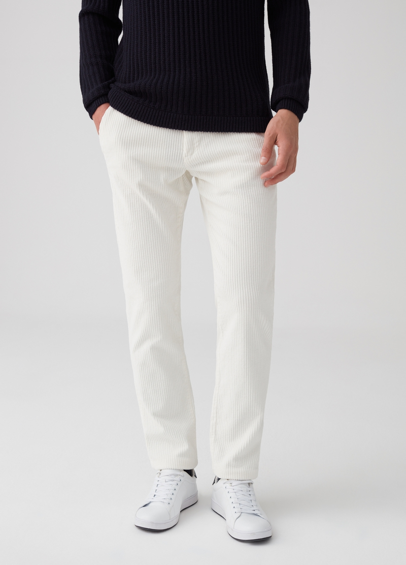 Regular-fit velvet chino trousers image number null