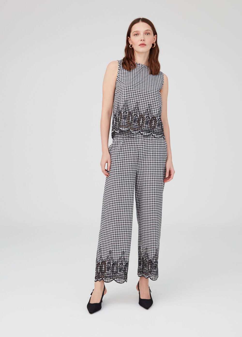 Culotte trousers with pockets and embroidery