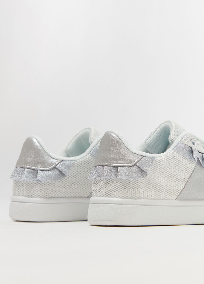 Sneakers with mesh upper and glitter