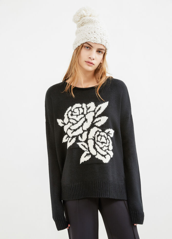 Solid colour pullover with embroidery