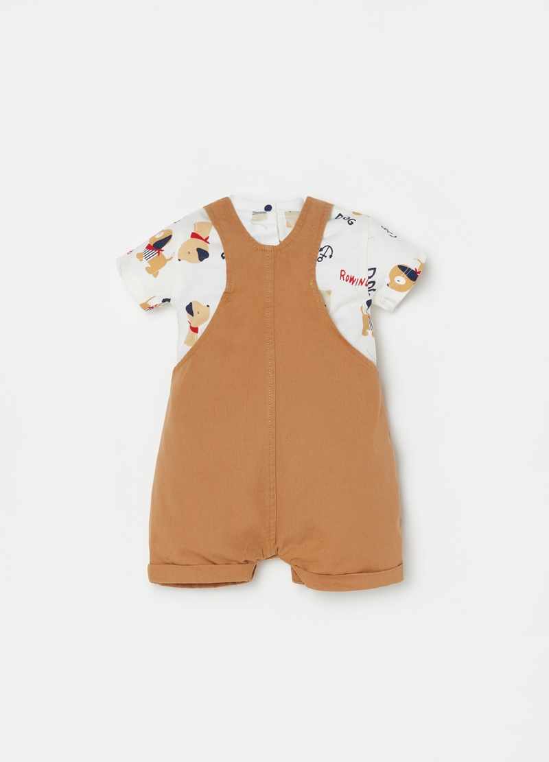 Dungarees and printed T-shirt outfit image number null