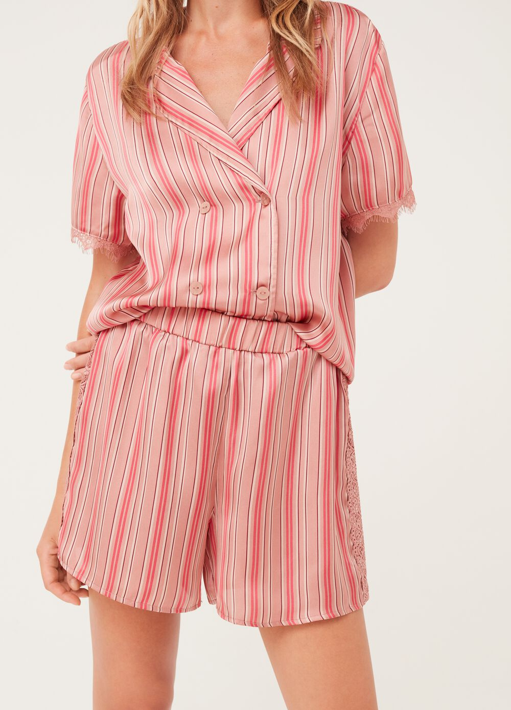 Pyjama shorts with lace and striped pattern