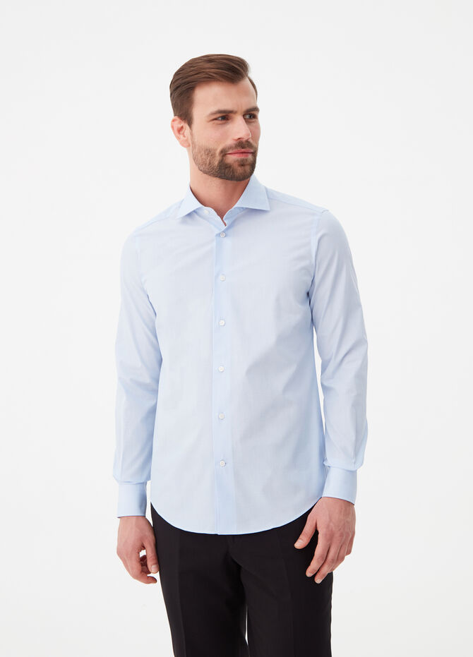 Slim-fit shirt with cut-away collar