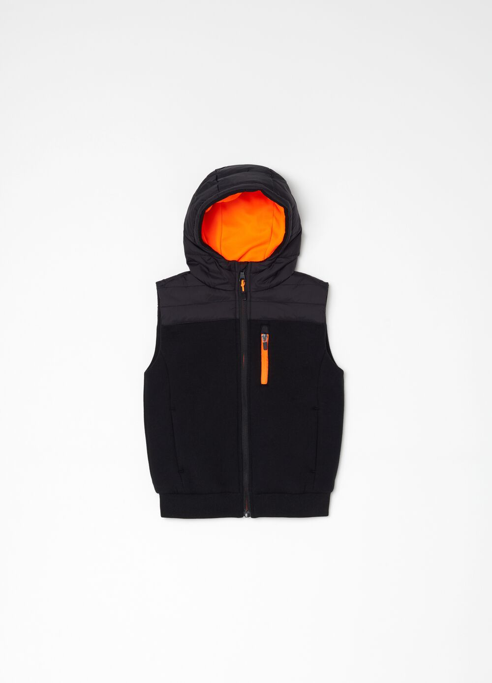 Gilet with padded and quilted hood