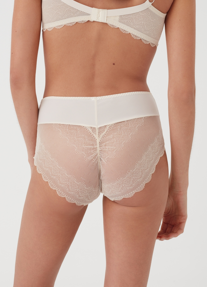 Seductive French knickers with high waist and invisible under clothing image number null