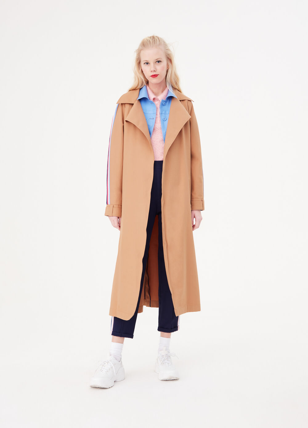 Trench coat with side bands