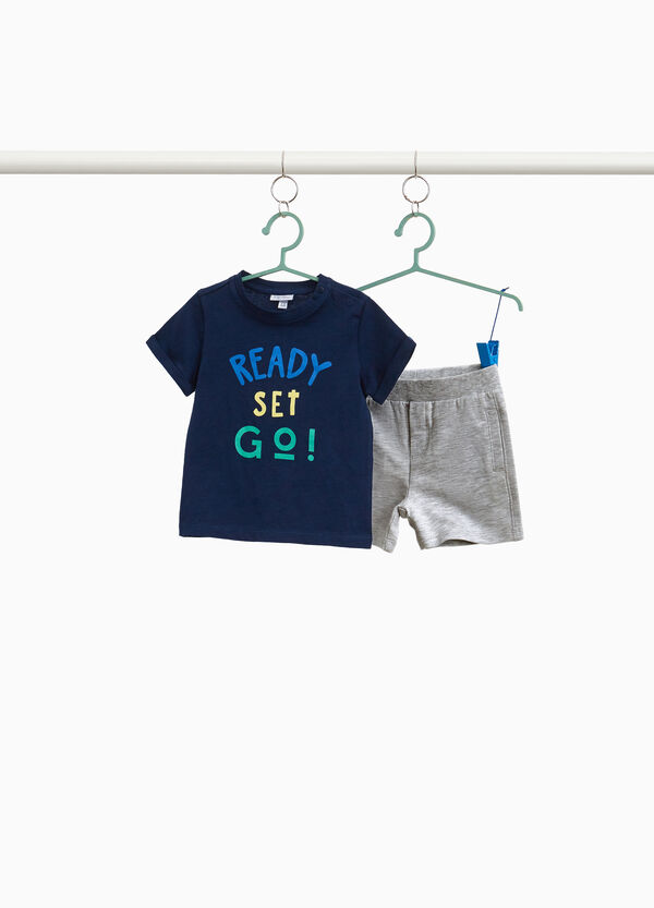 T-shirt and shorts set with lettering