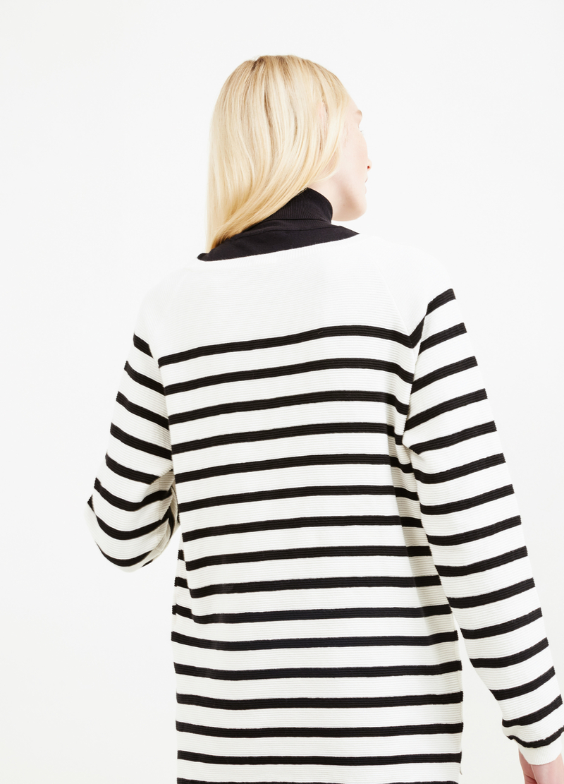 Striped pattern pullover in 100% cotton image number null