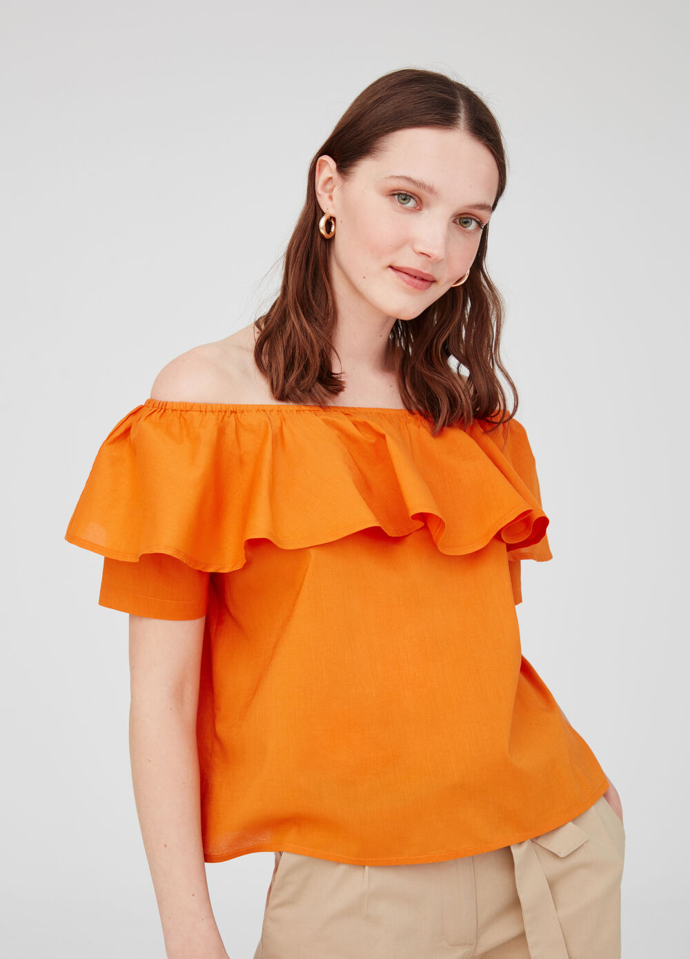 Blouse with drop shoulders and flounce